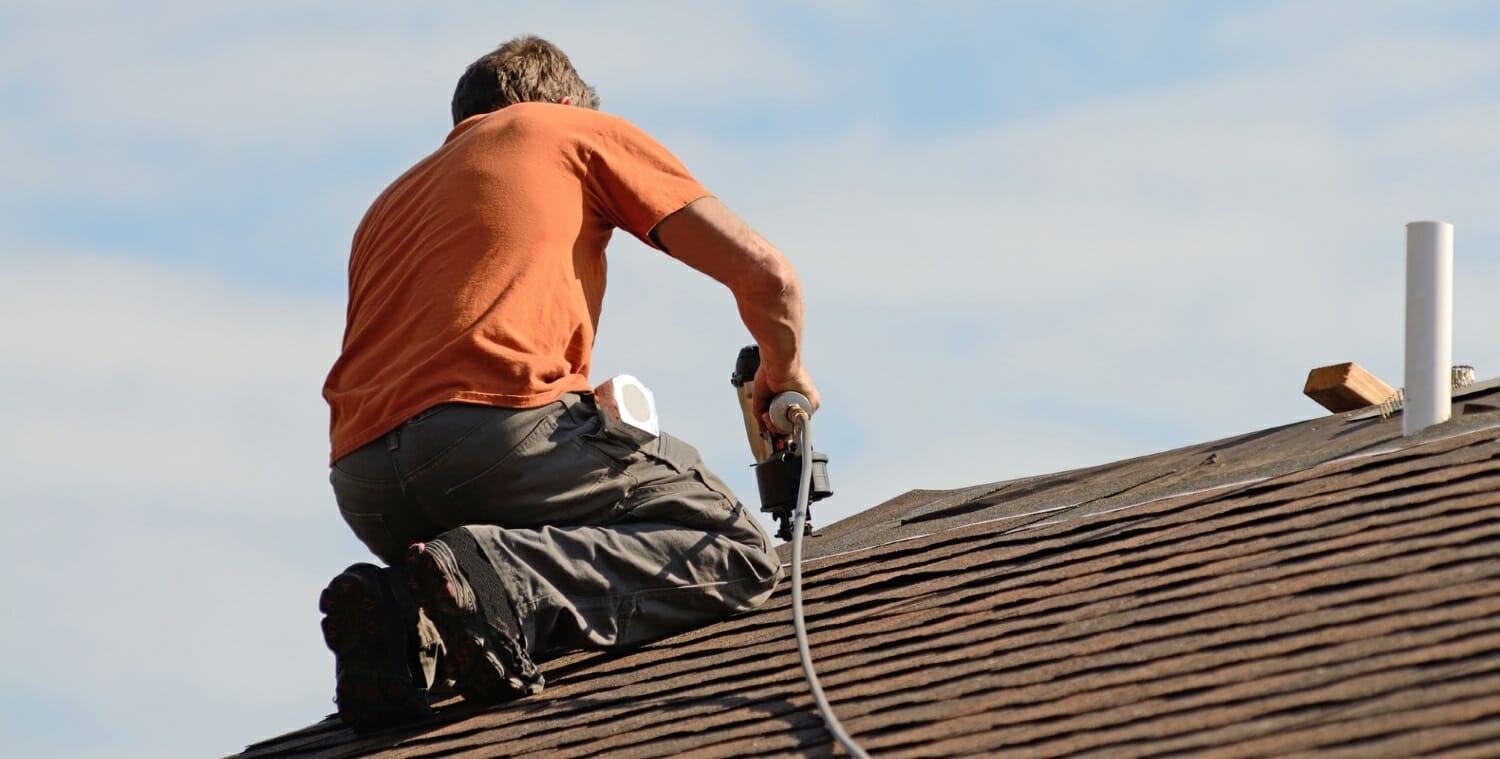 roof-replacement-roofer-replacing-roofing-shingle